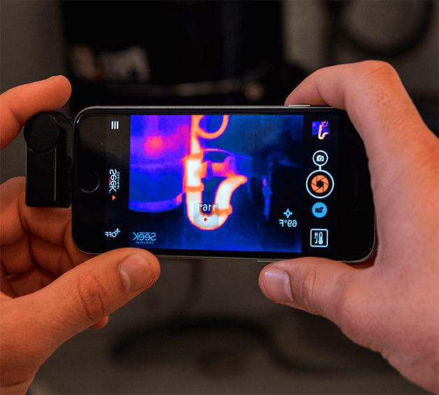 illustration d'une caméra thermique pour smartphone Seek Thermal