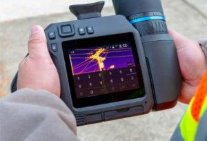 photo montrant une caméra thermique professionnelle